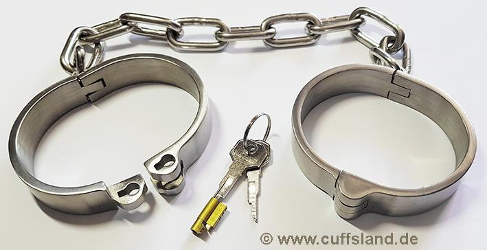 Police Heavy Duty Legcuffs X2 Keys Security